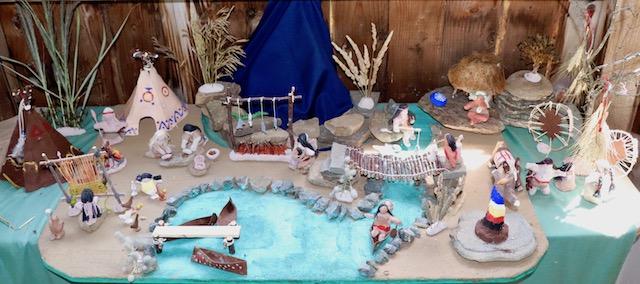 Maquette d'un village autochtone réalisée par les jeunes du futur centre d'apprentissage libre Le chemin de l'éveil